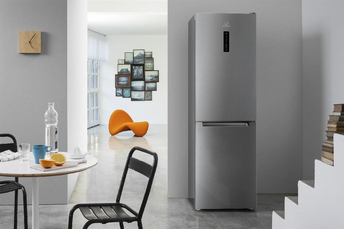 холодильники Индезит с дисплеем из нержавейки (NoFrost) магазин холодильников Краснодар