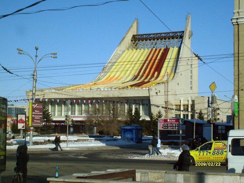 натуральным волокнам, сколько в омске театров этого первого слоя