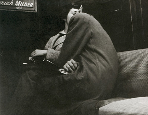 Arthur Leipzig, Subway Lovers, New York, 1949.jpg