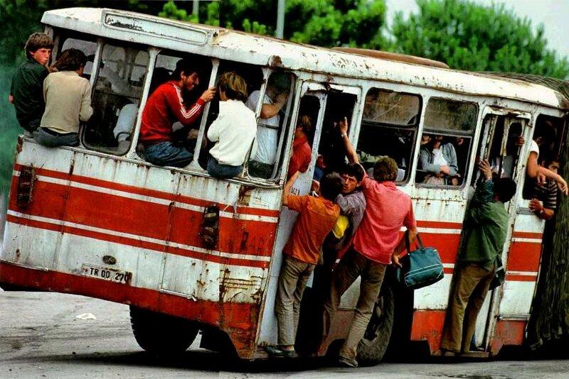 1992 Tirana bus.jpg