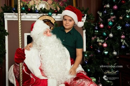 Дед Мороз и мальчик фото на память Тольятти