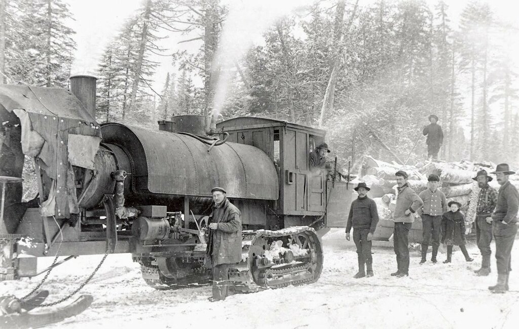 20 ton steam-powered Lombard log hauler produced from 1905 to 1917..jpg
