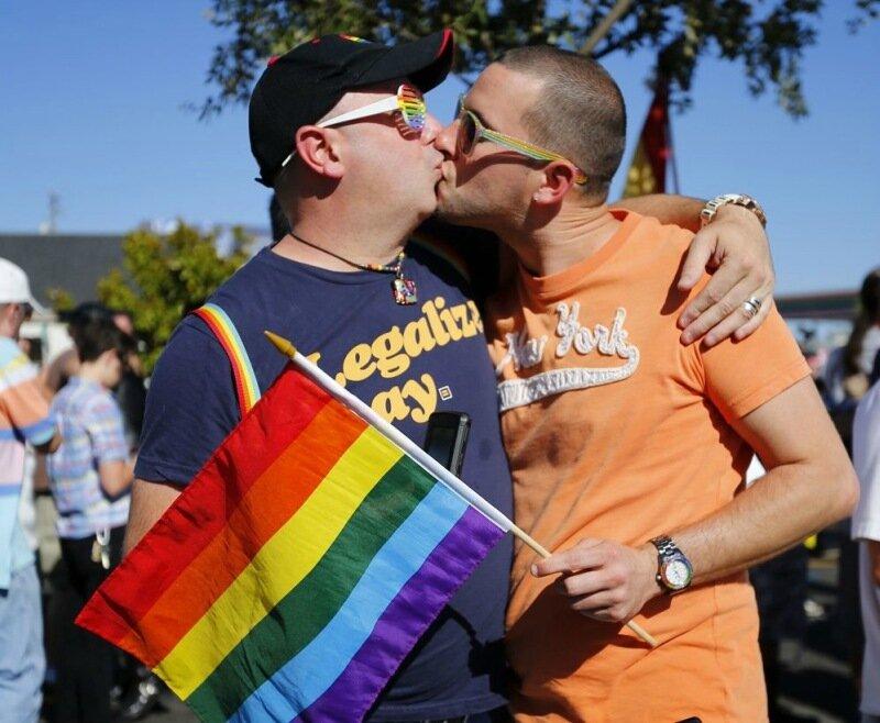 Сторонники однополых браков веселятся в Сан-Франциско