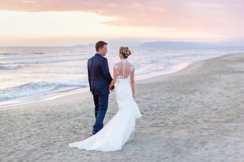 Молодожёны, гуляющие по воде. Красивая свадебная фотосессия 0 1cd5bc 2ce61011 XL