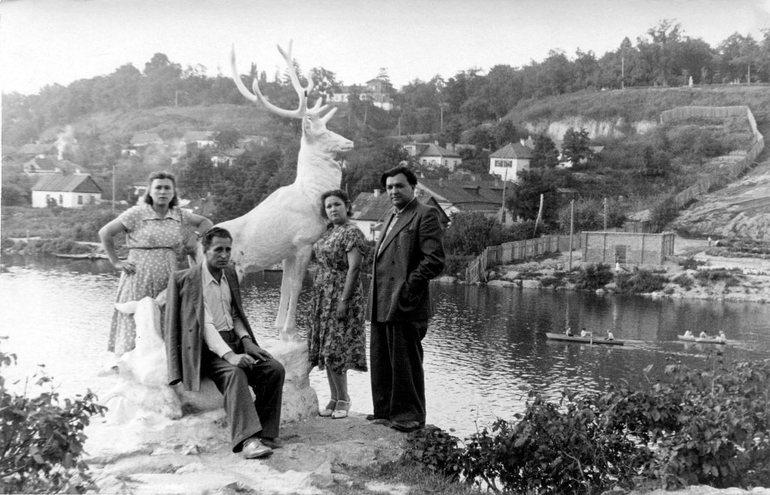Правый берег реки Тетерев. Гипсовый олень. 1950-60 гг.