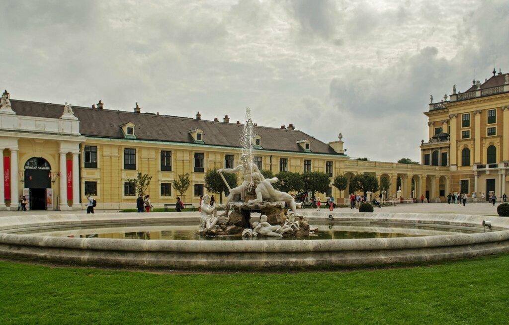 Шенбрунн - летняя резиденция австрийских императоров
