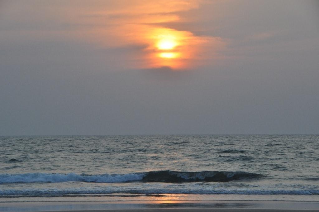 Закат на пляже Арамболь