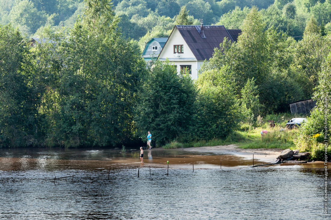 берег реки свирь
