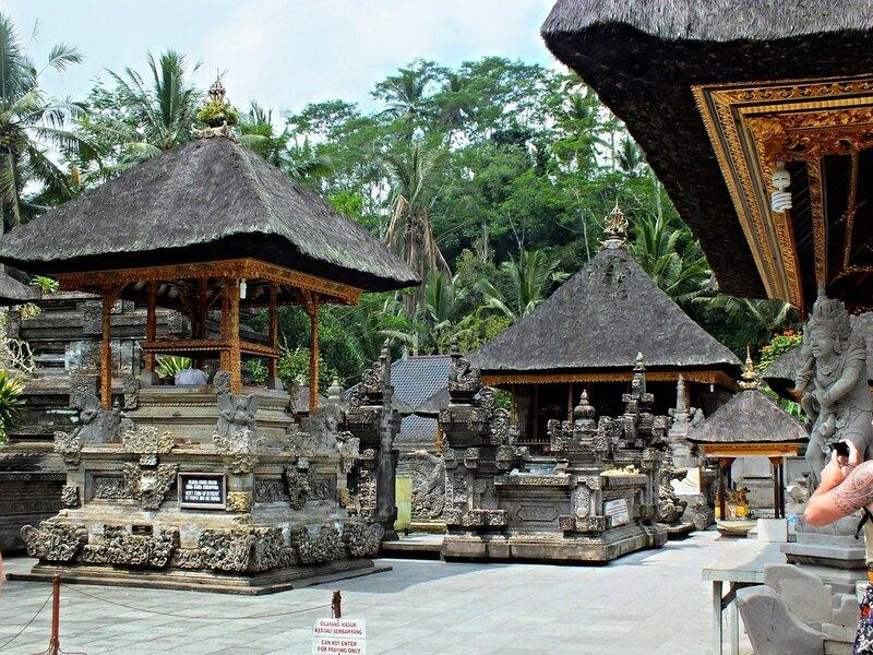 Храм Тирта Эмпул (Pura Tirta Empul)