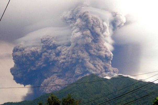 Красивые фотографии: извержения вулканов 0 10f567 2a12e509 orig