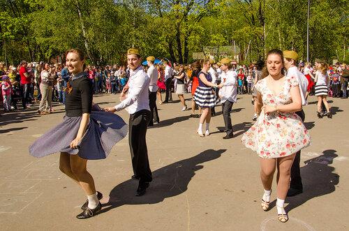 Хастл-флешмоб ко Дню Победы ! (Кузьминки, Москва).