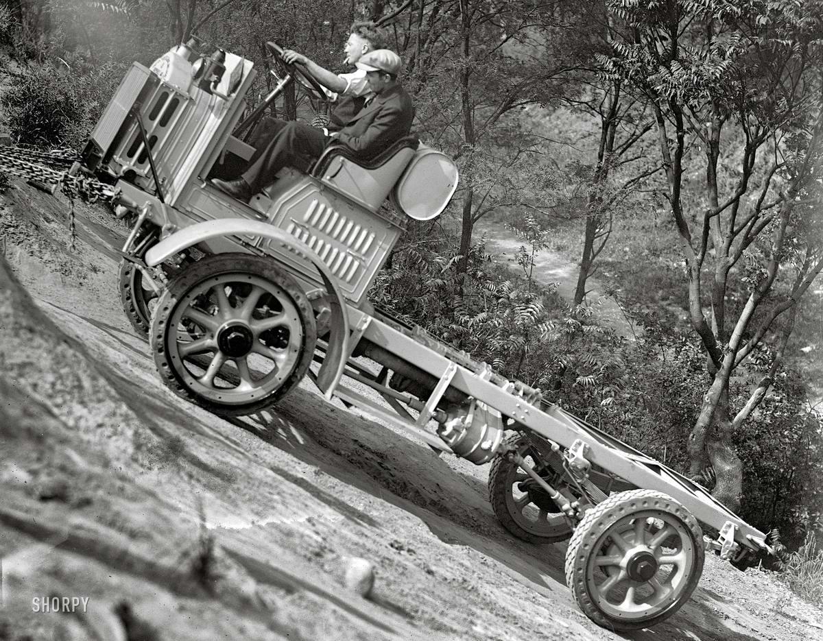 Грузовые автомобили начала 20-го века на снимках американских фотографов (35)