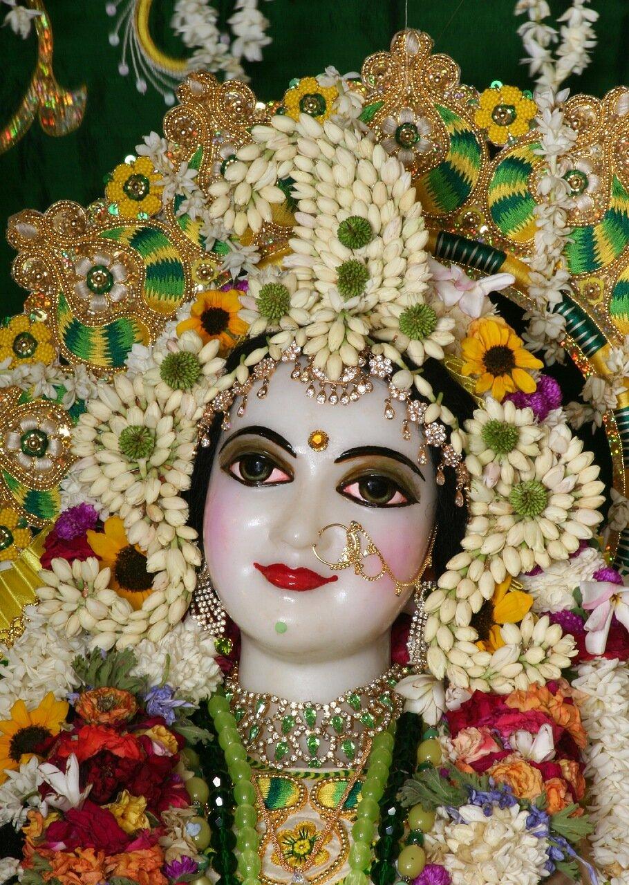 Божество Шримати Радхарани Вриндаван Индия (храм ИСККОН - Кришна-Баларам-мандир) 2007.06.06
