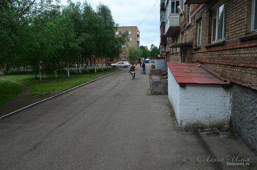 Фото города Инта №8038  Мира 37 и двор Воркутинской 12 02.07.2015_16:58