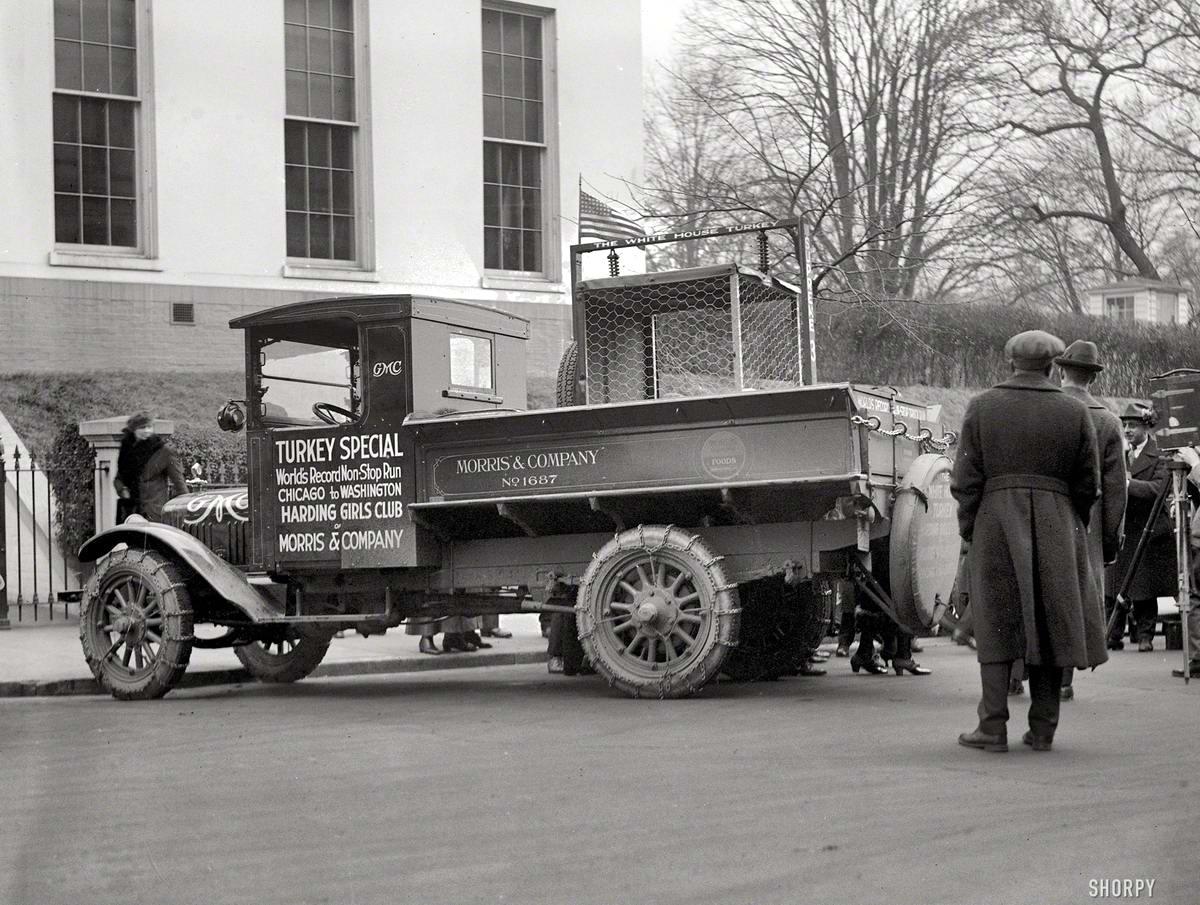 Грузовые автомобили начала 20-го века на снимках американских фотографов (15)