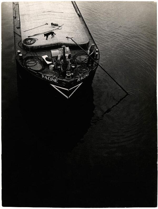 1935. Баржа на Сене