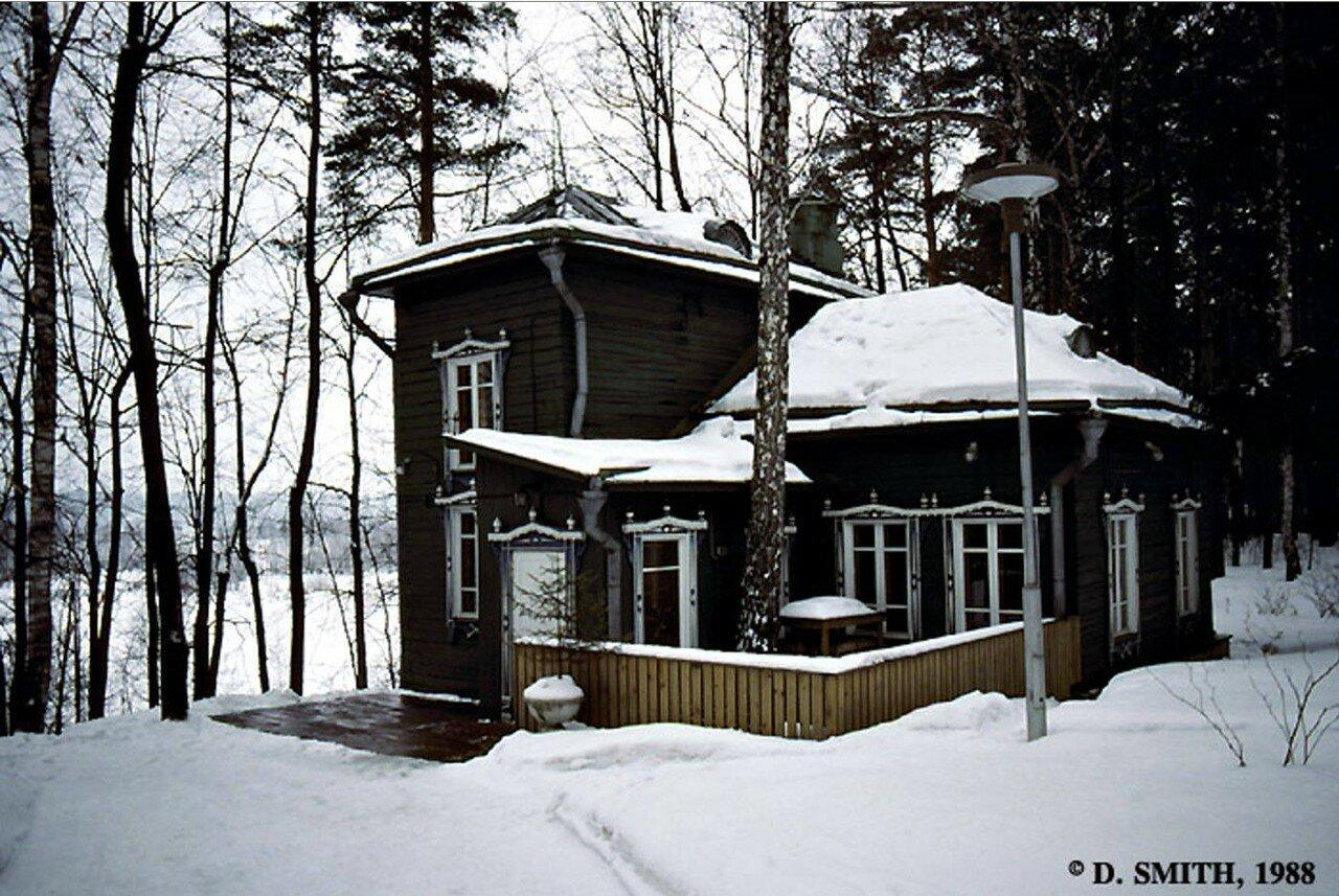 Подмосковье. Летний домик посольства США  в деревне Тарасовка