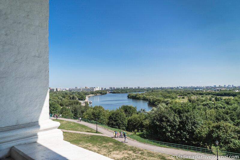 Вид на Москва-реку с галереи Церкви Вознесения Господня в Коломенском
