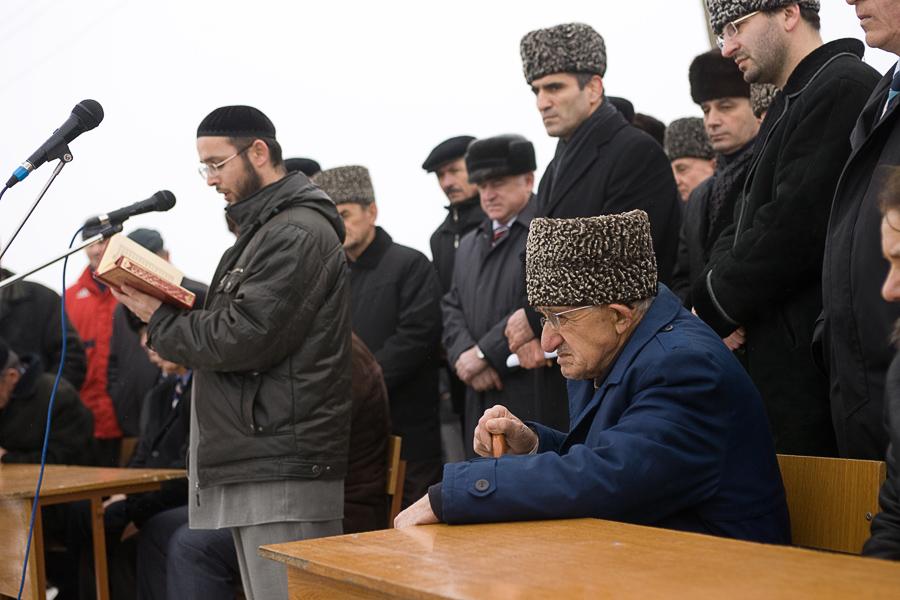 Чечня. 23 февреля 2009. Митинг памяти репрессированных