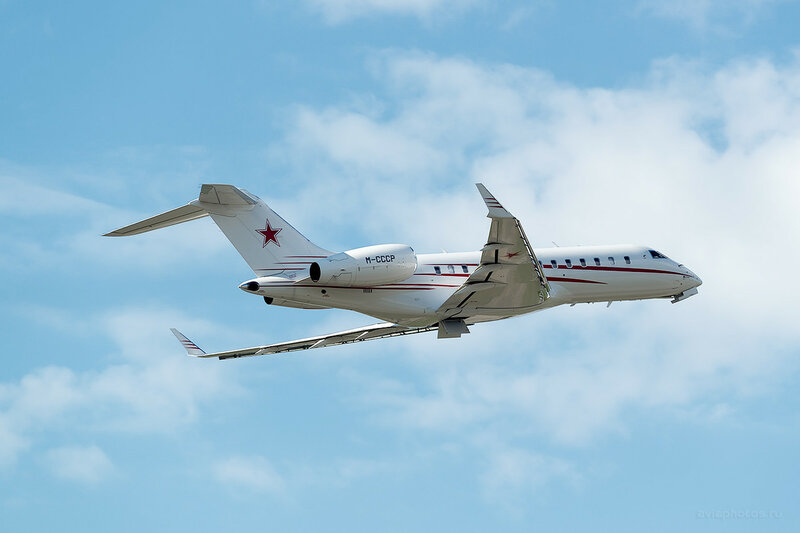Bombardier Global 5000 (M-CCCP) D809278a
