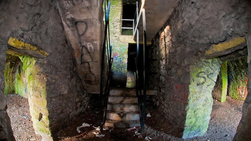 1280px-Hell_Fire_Club_Dublin_Stairs.jpg