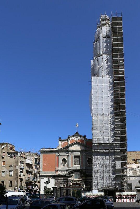 Неаполь. Площадь Кармине (Piazza del Carmine)