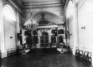 Внутренний вид церкви  великомученицы Екатерины при институте.