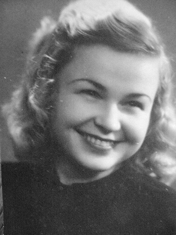 Мамина улыбка. 1950год.