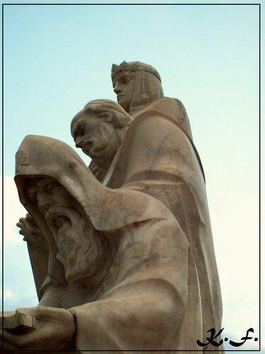 Киев | Памятник княгине Ольге,Кириллу и Мефодию