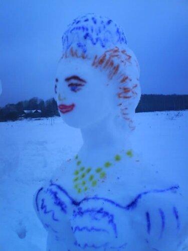Баба снежная