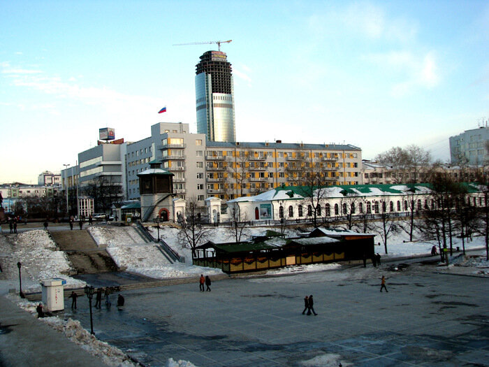 Расстояние между Сургутом и Ижевском Avtodispetcherru