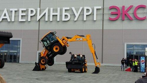 Лучшего оператора спецтехники выбрали в Свердловской области на конкурсе профессионального мастерства