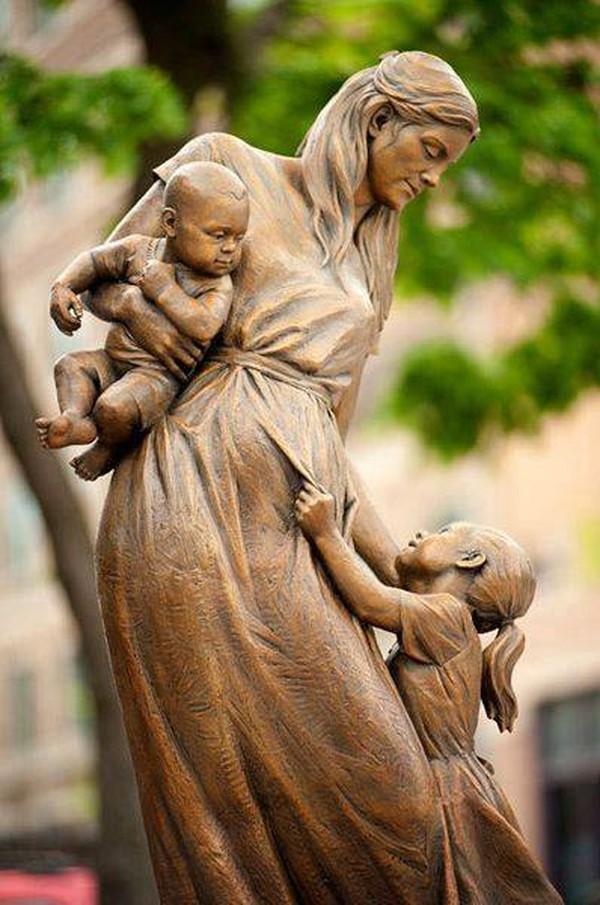 3. «Мама и дети». Американ-Форк, Юта, США