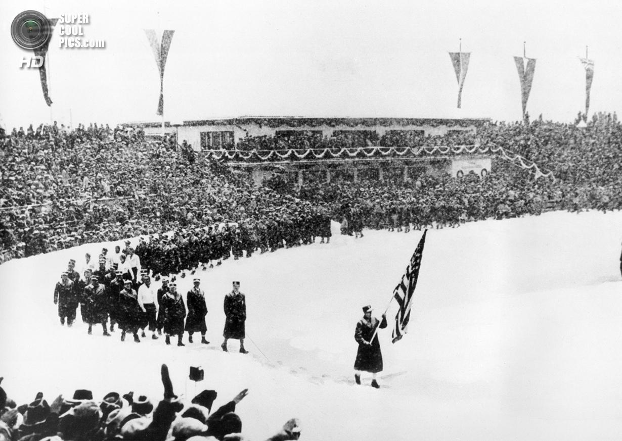 Третий рейх. Гармиш-Партенкирхен, Бавария. 6 февраля 1936 года. Спортсмены из США на церемонии откры