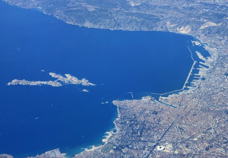 Вид с самолета на Марсель (View from the plane to Marseille)