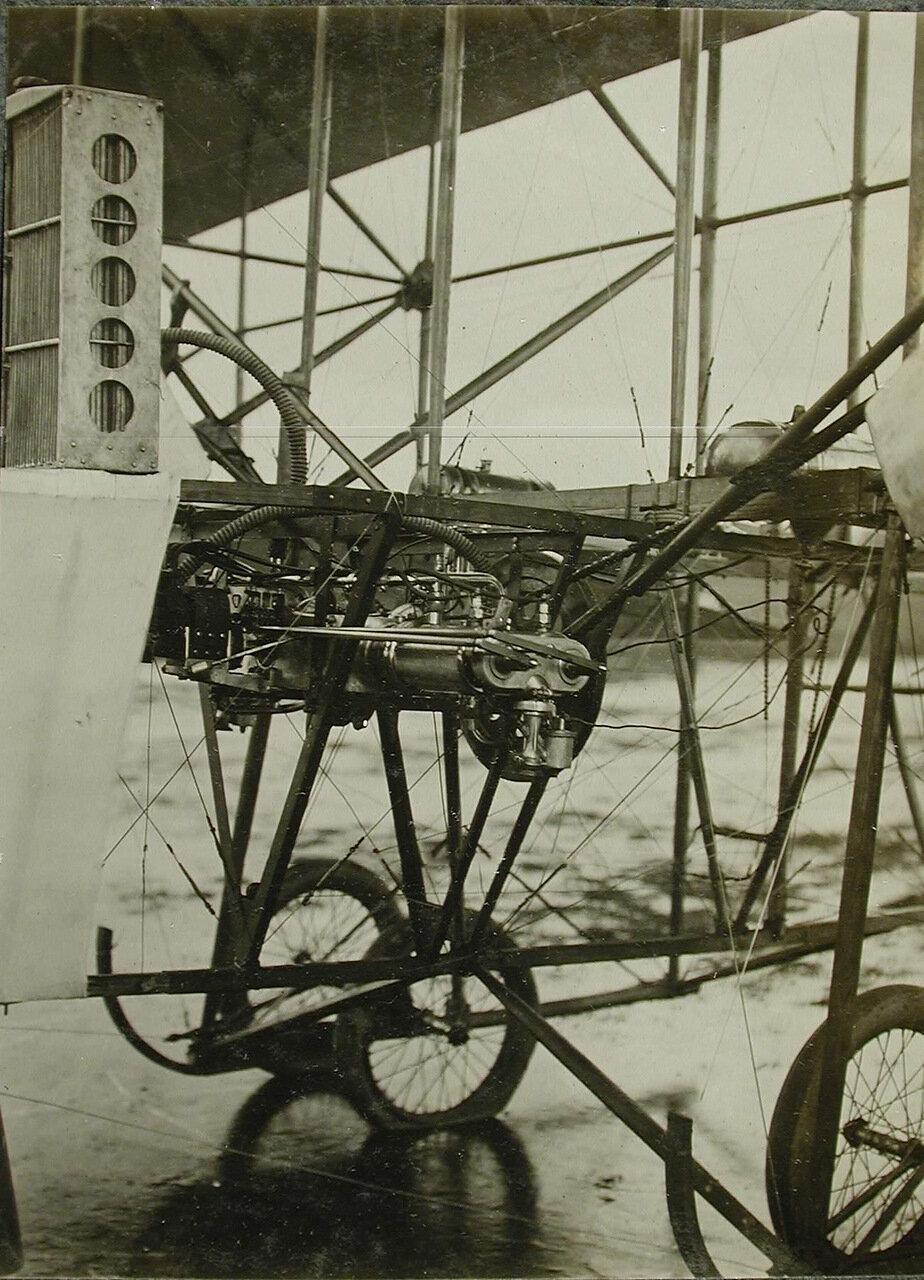 23. Вид мотора «Орликон», установленного на биплане конструкции инженера Касяненко