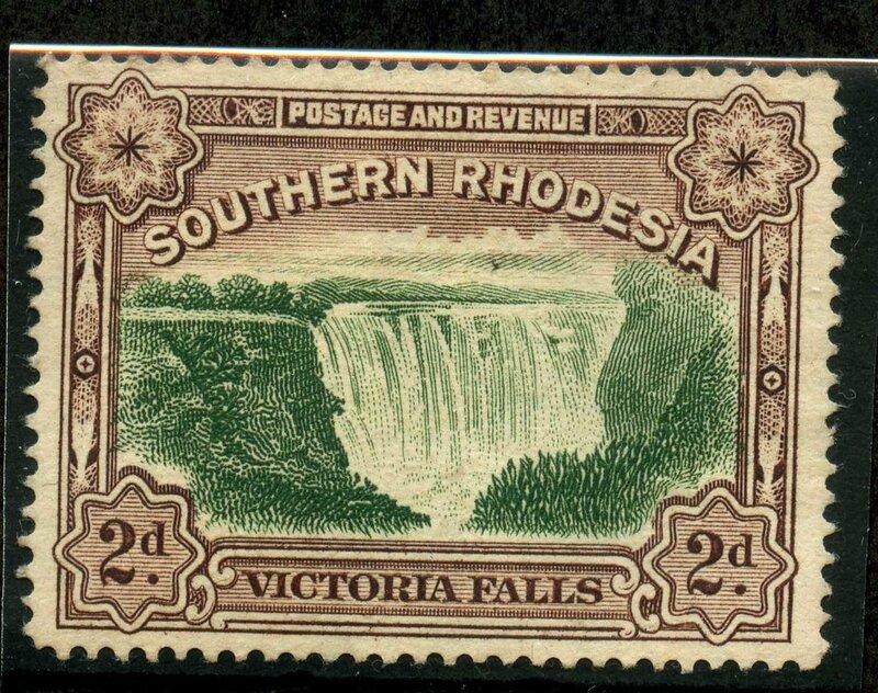 Альпийские горки с водопадом фото
