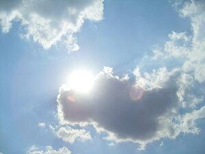 Облака над рекой