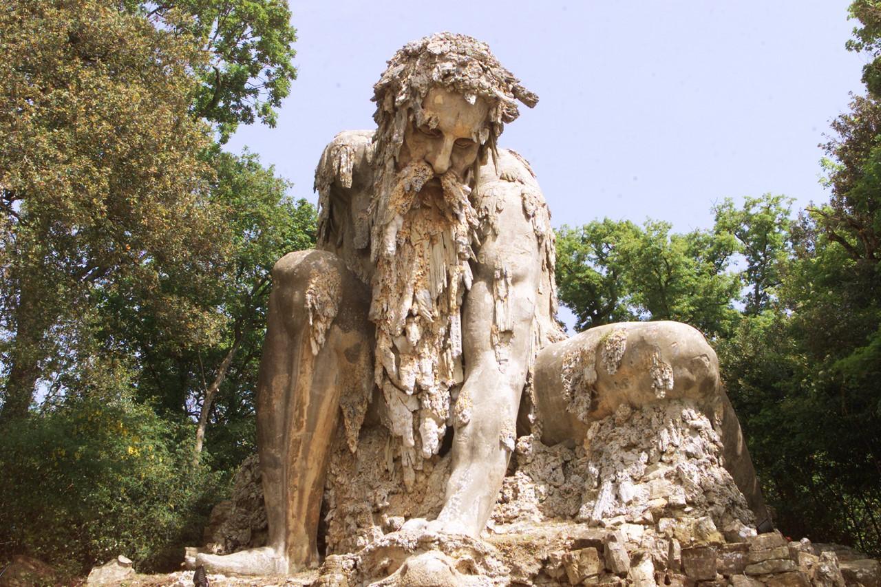 Top 10 Biggest Rock Sculpture in the World - ListOTop