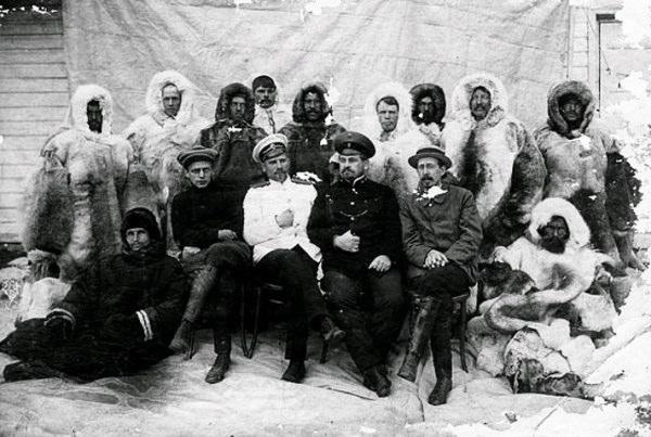 Седов. Члены экспедиции.jpg