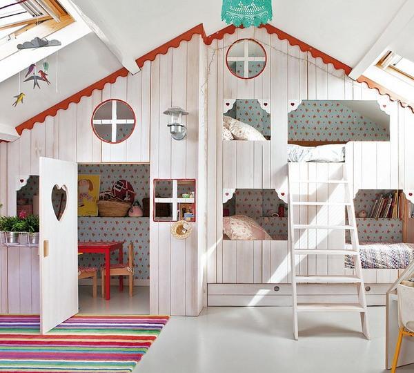 little-house-in-attic-kidsroom.jpg