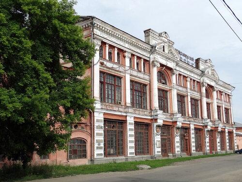 Здание пассажа Яушевых в Троицке