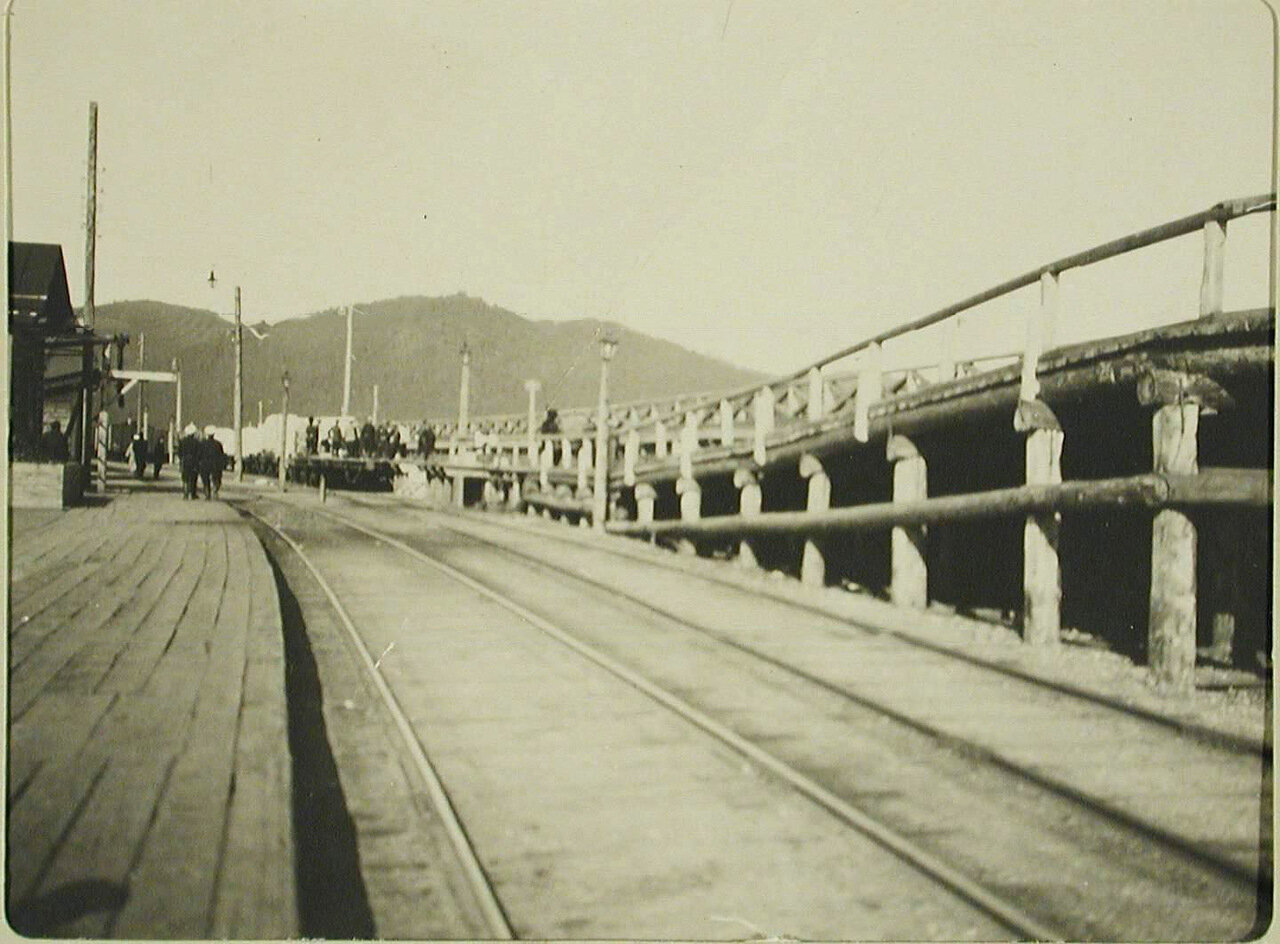 27. Вид части воинской платформы на станции Байкал