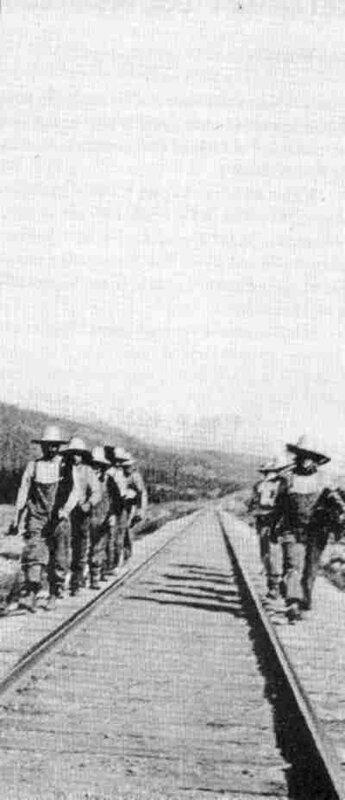Заключенные из Кастл Маунтин возвращаются с работы