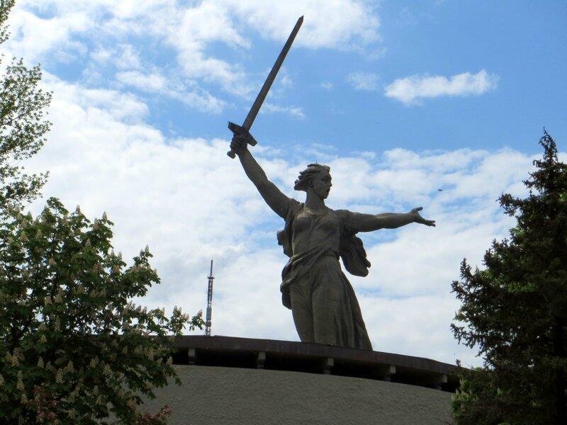 Окрестности Мамаева Кургана 10 мая 2015 года