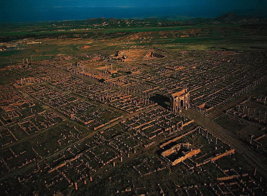 18. Тимгад – римский город в Северной Африке, на территории современного Алжира .