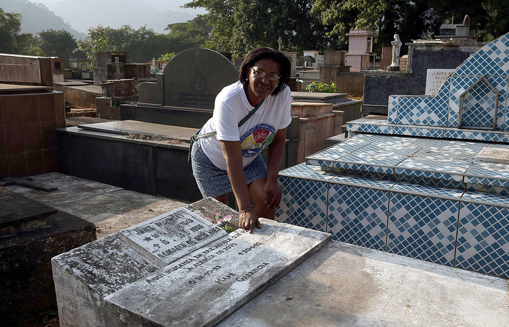 Останки легенды футбола Гарринчи пропали вБразилии