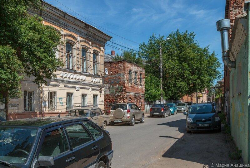 Старые дома по Денисовскому переулку