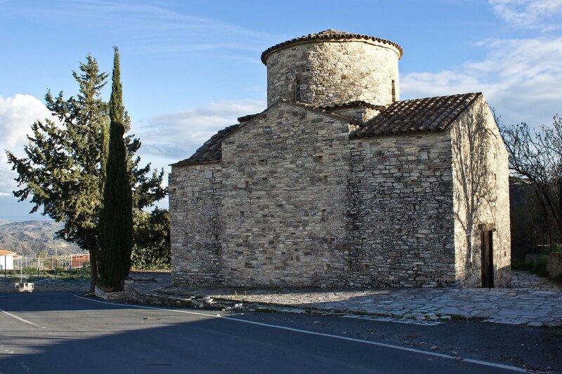 церковь 12 века в Пано Лефкара