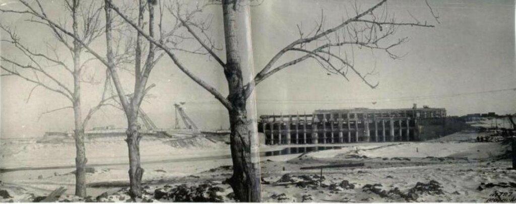 162460 Вид строящейся ГЭС нач. 40-х Вид на строящуюся Рыбинскую ГЭС и котлован с верхнего бьефа.jpg